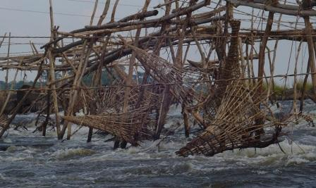 Basket fish traps in middle east today.
