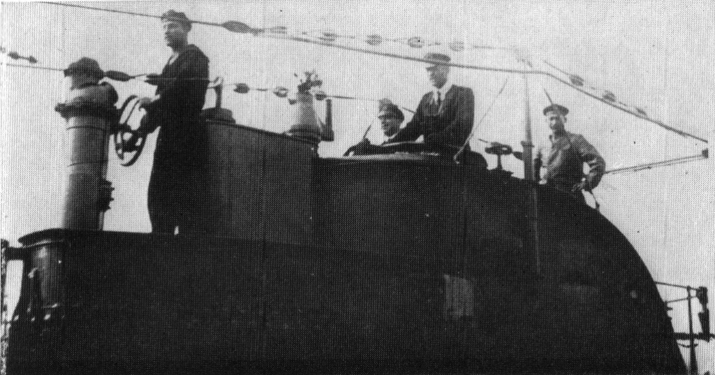 Crew in the conning tower of U62